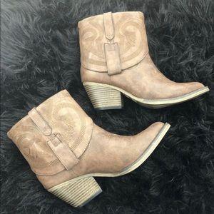 MIA Joshua Short Western Ankle Boots!